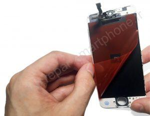 Retrait film protection arriere iPhone 5S et SE