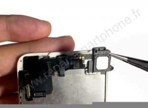 Retrait de l'ecouteur iPhone 5S SE 4