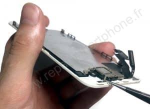 Retrait de l ecouteur iPhone 5S SE 1