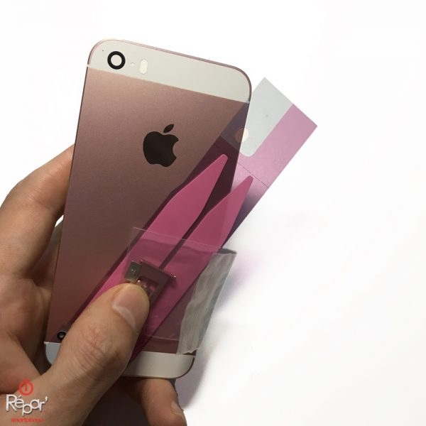 coque chassis arriere iphone se or rose img2